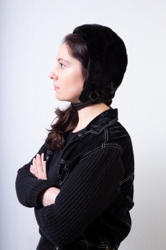 women black fakefur trapper hat